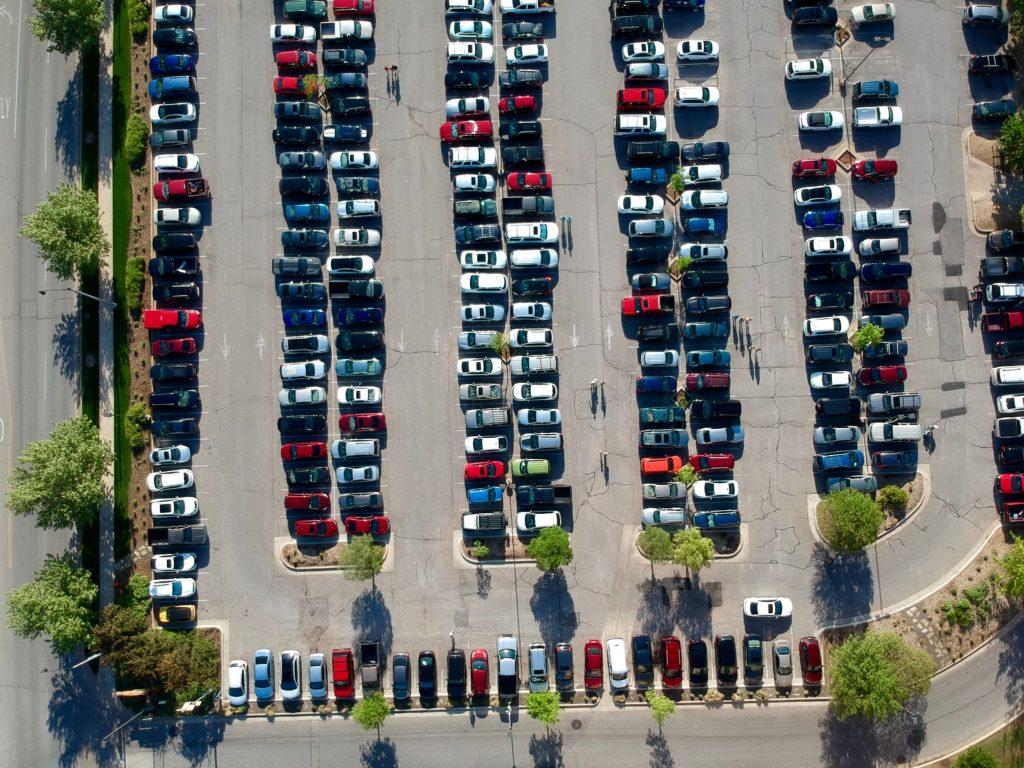 Estacionamento gratuito dos estabelecimentos